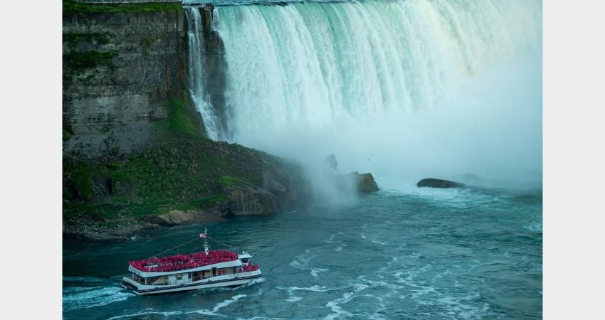 Niagara Falls – Hornblower Cruise – Voyage to the Falls